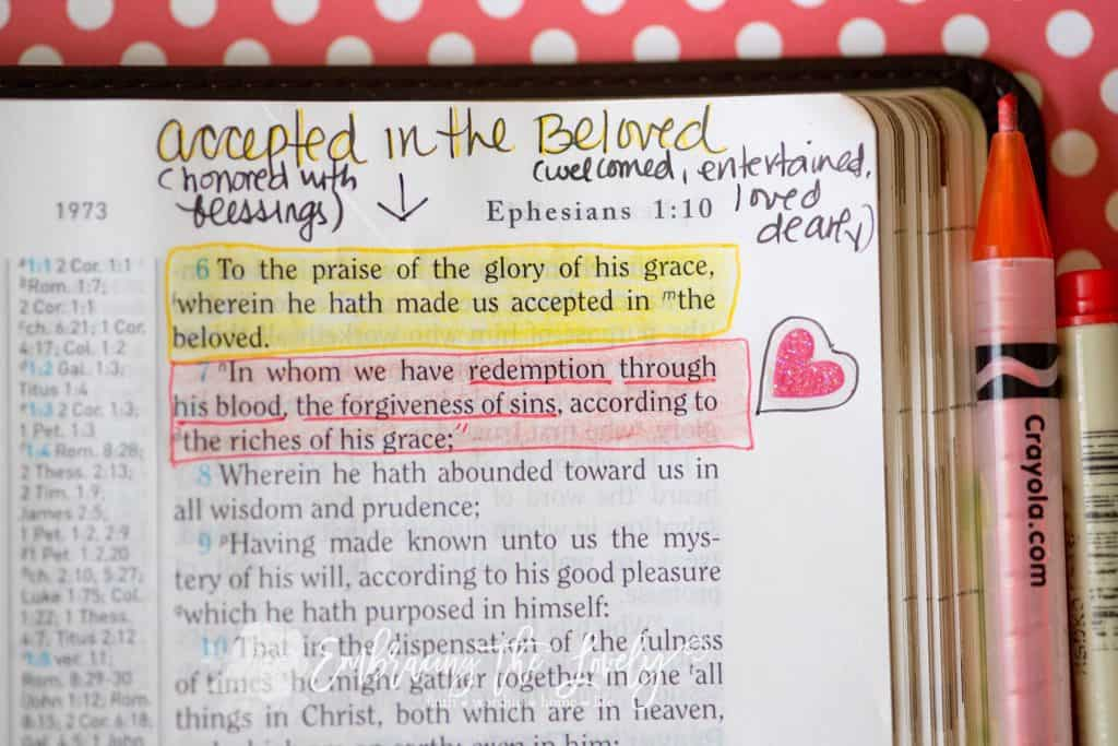 Learn How to Bible Study in the Margins with The Ultimate Guide to Micro Bible journaling in the Margins with Hey Creative Sister