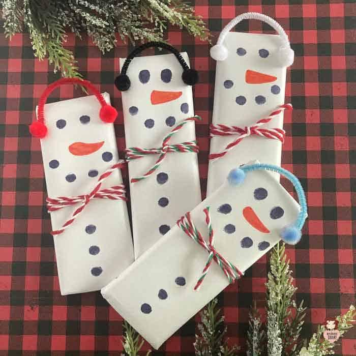 DIY snowman candy bars